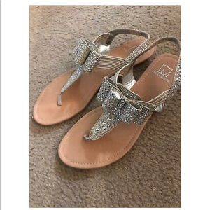 Material Girl Womens Shayleen Beige Thong Sandal 9